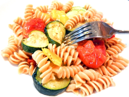 roasted vegetable pasta with tomatoes, zucchini and yellow pepper